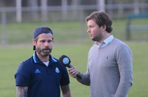 Ståle Pedersen intervjuas av Oskar Magnusson efter matchen.