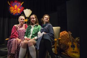 Kajsa Berg, Mathilda Dymek och Agnes Forshem är laddade inför premiären.