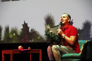 Måns Möller interagerade mycket med publiken, till deras stora glädje.