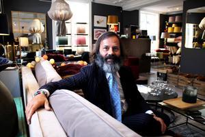 Miro är född och uppvuxen i Forlì i regionen Emilia-Romagna i Italien.