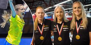 KAIS Moras VM–guldtrio – som egentligen är en kvartett. Moa Gustafsson (vänster) kunde tyvärr inte närvara vid intervjutillfället men tog lika mycket VM–guld som: Johanna Hultgren, Anna Wijk och Amanda Hill  (till höger i bild).