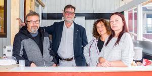 Torbjörn Amundsson, Jan Trana Svensson, Kicki Amundsson och Marie Ekelund från styrelsen för Storön/Folkets park där det var öppet hus i lördags. I styrelsen sitter också Eva Gillstedt, Karin Backman, Emil Östman. Peter Halvarsson är projektansvarig för renoveringarna.