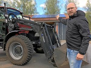 Solceller på taket och fordon som drivs av bränsle tillverkat av slaktavfall. Det är några av pastoratets miljömässiga satsningar.