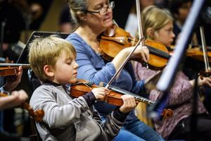 El Sistema-konsert - ett samarbete mellan kulturskolan och Nordiska Kammarorkestern. Bild: Lia Jacobi