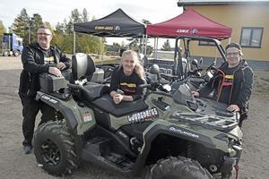 Morgan, Eriksson, Hanna Åslund Myhr och Patrik Eriksson på Ljungbergs motor lät besökarna testa både fyr- och sexhjulingar.