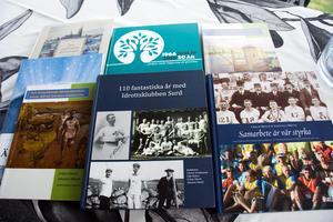Urban och Johanna Mesch har skrivit och gett ut ett antal böcker om dövidrott och dövas historia. Nu kröner de verket med en bok om Medelpads döva.