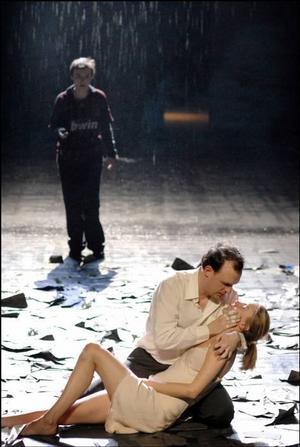 I kväll. Norén och våld på franska.Foto: Théâtre National Bryssel