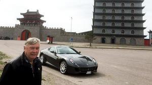 Kjell Pettersson arrangerar bilträffen för medlemmarna i Ferrari club Sweden. Foto: Lars Halvarsson