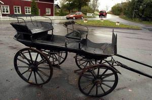 Kanske var det i en vagn liknande denna som Lotten von Felitzen hämtade violinisten Joseph Joachim. En generation tidigare hade en kvinna knappast fått ta kommandot över en transport. Bild: Johan Främst