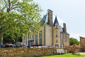 I det här slottet i Bretagne ska de gifta sig september.Bild: Privat