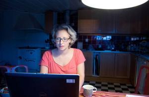 Lina Byströms inlägg på bokförlagets facebooksida började leva sitt eget liv och plötsligt var det hon själv som attackerades.
