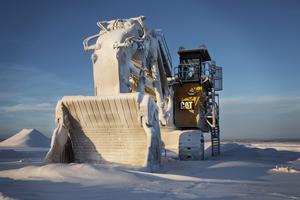 Stillastående maskiner vid Northland Resources nedlagda gruva i Kaunisvaara, Pajala. Förhoppningarna på en ny vår i Pajala var stora, men när världsmarknadspriserna på järn föll kollapsade bolaget.  Foto Emma-Sofia Olsson / SvD / TT