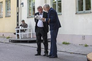 Andreas Lindberg och Tyge Olsson repeterar invigningsscenen.