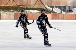 Tova Grönoset och Wilma Uhlin, nuvarande nyckelspelare i SAIK och blivande stjärnor.