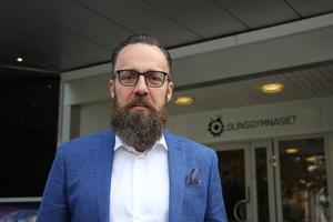 Kristian Wejshag följer regeringens rekommendation. Från och med onsdag stänger Olinsgymnasiet skolan och eleverna kommer att skickas hem.