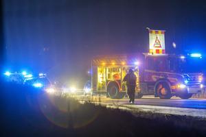 Räddningstjänsten stängde av norrgående körfält under räddningsarbetet.