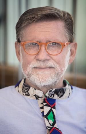 Efter en internationell aidskonferens i slutet av åttiotalet tog livet en ny vändning för Mats Ahnlund. Kärleken tog honom till Genève i Schweiz.