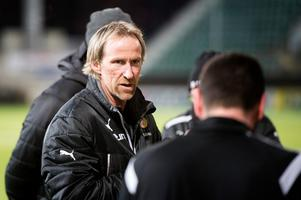 Göran Sundqvist, tränare i Sund, har haft både skador och sjukdomar i truppen och det var lite oklart hur han skulle formera sin startelva på torsdagskvällen.