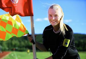 Anna Backman är en av nio kvinnliga domare i Sverige som är uttagen till Svenska fotbollsförbundet läger i Halmstad.