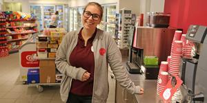 Carolina Corbell är ny franchisetagare till Shells butik i Kullsta. Butiken har nyligen ställt om till nytt koncept.