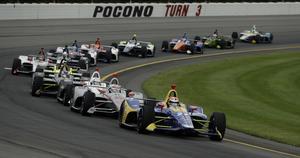 Indycar-bilarna har ett mycket karakteristiskt utseende med sina stora sidepods och låga bakvingar. Arkivfoto: Matt Slocum/TT