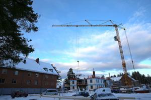Bygget på Tuvan i decemberväder.