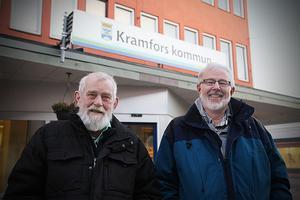 Veteranerna Rolf Eriksson och Erik Lindquist vill påverka partikollegorna att lyssna mer på de med erfarenhet, tänkta på partiets värdegrund och den åldrande  befolkningens behov.