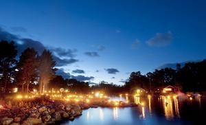 Lyskvällen som avslut på sommaren vinner mark. Traditionen närmar sig 25 år i Hälsingland och sprids över landet som en löpeld.