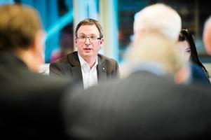 Sundsvalls kommunalråd Peder Björk (S) är i försiktig med sina utlåtanden.