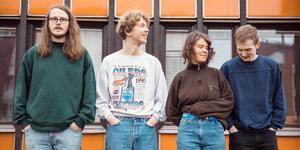 Pressbild.  OBS: Bilden är beskuren Popbandet Melby bildades när medlemmarna gick på folkhögskolan Birka i Ås.