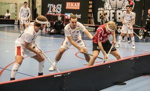 Nykvarns IBF vann med 7–6 mot Örebro Innebandy.