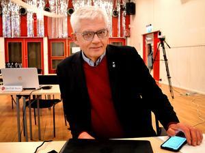 Om inte socialnämnden skulle få de extra 2,6 miljonerna skulle fem tjänster försvinna från särskilda boendet, menade Sune Hemmingsson.