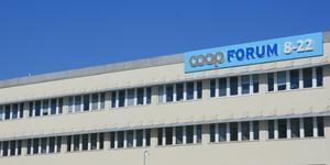 När Nynäshamn hade ytterligare en stor matvarubutik, Coop Forum, gick index för dagligvaruhandeln upp.  Bilden är från 2011.