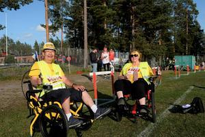 Yukio Nakahara och Katarina Larsson deltog med en specialbeställd cykel speciellt anpassade för rörelseförhindrade. De både deltog i Hudiksvalls Blodomlopp, och berättar att de fick blodad tand.