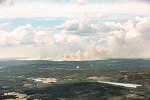 De stora bränderna i Ljusdals kommun syns på flera mils avstånd.