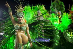 Folkfest under karnevalen.