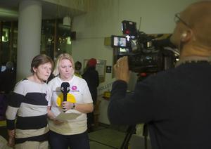 SVT sände live från sjukhuset under debatten.