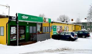 Idag, torsdag, får Skedviborna en matbutik efter att ha varit utan sedan förra sommaren.