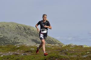 Ella Olsson, Grycksbo, på väg mot en andra placering på 2 km.