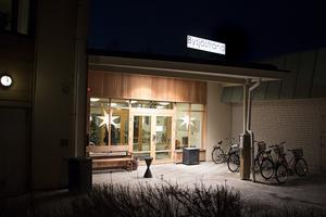 Det är personalen på äldreboendet Bysjöstrand och inom hemtjänsten i Ockelbo som drabbas av sänkt ob-tillägg.