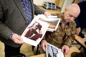 Göran Redmo kommer att visa bilder från Namibia, och Ronny Vervaart sina svartvita fotografier på människor i miljöer.