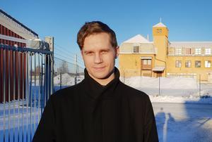 Anders Wesslén, handläggare på Statens försvarshistoriska museer, bor i Valbo  och har tidigare jobbat på Länsmuseet Gävleborg.