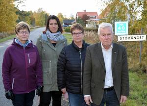 Ulla Look. Maria Forslund. Irene Gruhs och Christer Gruhs avser att  reperationen  av kabelbrottet tagit alldeles för lång tid.