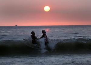Mängden plast i Medelhavet är beräknad till mellan 2 000 och 3 000 ton. Foto: Hussein Malla/AP Photo