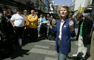 Anna Maria Corazza Bildt kampanjar i Stockholm inför Europaparlamentsvalet 2009. Foto: Mats Andersson/TT