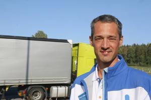 Daniel Adborn (L)