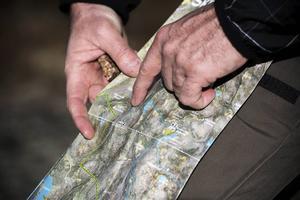 Vid nationalparkens entréer finns gratis kartor över området där vandringsleder
