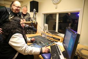Kristina Olsson sänder  åtta timmar den 23 december under uppesittarkvällen.