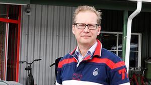 Leif Lindholm är en av ledamöterna i Reaxcers styrelse och han tycker att det är olyckligt att åkerikoncernen blandas ihop med ÖFK-härvan.