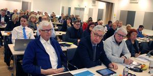 Budgetdebatten är Norrtälje kommuns motsvarighet till riksdagens partiledardebatt, där gruppledarna har chansen att hålla lite längre anföranden och ta ut svängarna mer än vanligt. Men det gjorde de alltså inte.